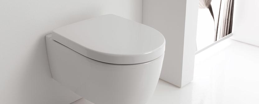 Kleine badkamer - Verkort toilet voor extra ruimte