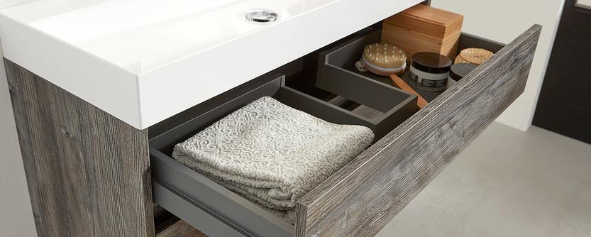 Kleine badkamer - Badmeubel met diepe lades