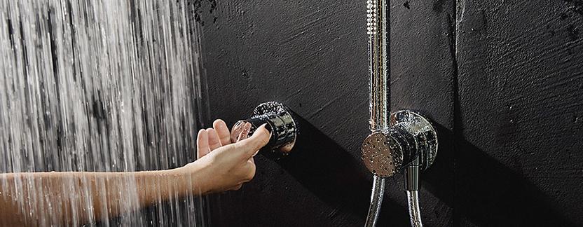 Luxe badkamer - douchesysteem met éénknops bediening