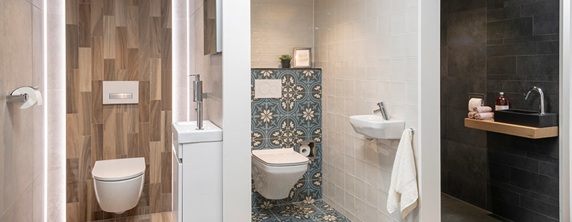 Van Veen Tegels & Sanitair showroom toiletopstellingen