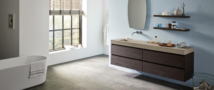 Primabad Made NL - badkamer met breed donker badkamermeubel